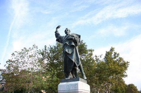 Estatua de Pau Clarís por Rafael Atché (Barcelona)