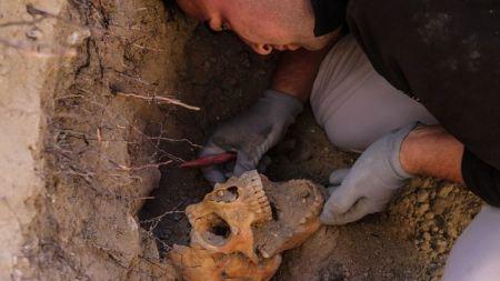 Exhumacion-Cementerio-Arganda-Rodriguez-ARMH_EDIIMA20140410_0193_4